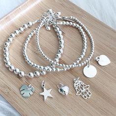 Nu nóg meer keuze voor mama's... Mijn eigen pols hangt momenteel al aardig vol. Zeker nu ik deze verschillende maten Basic Beads moest 'testen'. Leuk om te weten dat je uit 3 soorten naambedels kan kiezen (munt, hart & ster) en 3 andere mooie bedels (mons Beads, Bracelets, Silver, Jewelry, Google, Wristlets, Beading, Jewlery, Jewerly