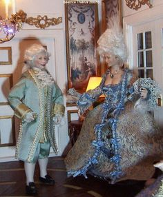 Versailles by Béatrice Thiérus Miniature Houses, Miniature Dolls, Barbie And Ken, Versailles, Minis, Invitation, Porcelain, Dresses With Sleeves, Long Sleeve
