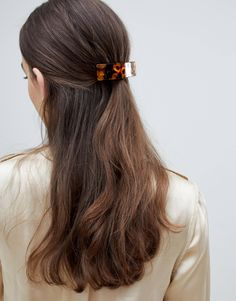 Buy ASOS DESIGN barette hair clip in tortoiseshell at ASOS. Get the latest trends with ASOS now. Dyed Hair Ombre, Hair Color Balayage, Easy Hairstyles, Straight Hairstyles, Cut Her Hair, Bridesmaid Hair, Hair Pieces, Hair Clips, Hair Makeup