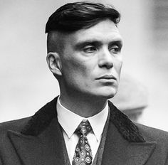Cillian Murphy as Thomas Shelby Peaky Blinders Peaky Blinders Thomas, Cillian Murphy Peaky Blinders, Mens Hairstyles 2018, Cool Hairstyles, Peaky Blinders Wallpaper, Vintage Dance, Air Dry Hair, Man Movies, Raining Men