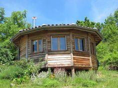 Rundes Holzhaus Style Jurte: Studio ca. 22 qm mit Bad (Dusche), WC und kleiner Küche ausgerüstet für 2 Personen mit Panoramablick auf die Pyrenäen.