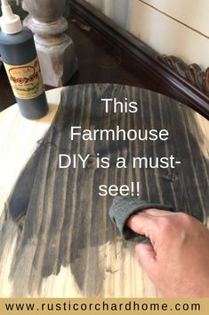 Create your own round wooden tray with this simple DIY! Learn how to make a Spring Farmhouse Home Decor DIY! You will love how quick and simple this Round Wooden Tray is to mak. Diy Home Decor Easy, Diy Home Decor Projects, Diy Projects To Try, Wood Projects, Wooden Door Hangers, Wooden Doors, Wooden Signs, Diy Décoration, Easy Diy