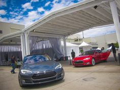 Tesla Model S first drive: Quiet satisfaction  Tesla gave CNET a chance to get behind the wheel of the Model S on the same day it began customer deliveries of the new electric car.