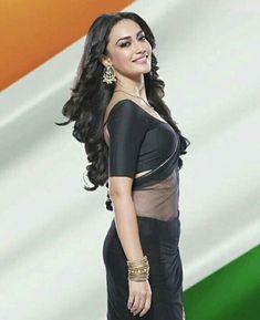 Indian Actress Pics, Actress Photos, Indian Actresses, Beautiful Bollywood Actress, Most Beautiful Indian Actress, Beautiful Actresses, Deepika Padukone Style, Indian Photoshoot, Tashan E Ishq