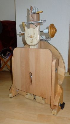 Oh! My!! Goodness!!! This is an incredible spinning wheel!!!!!!