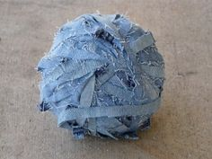How to make denim yarn with old jeans :D