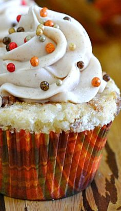 Cinnamon Roll Cupcakes Recipe | Lady Behind the Curtain