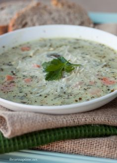 Slow Cooker Chicken orzo pesto soup on iheartnaptime.com ... looks healthy and delicious!