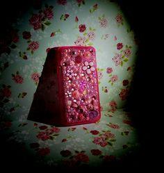 💟Dedicata a Nicoletta eclettica e sognatrice, cover case rosa fucsia tempestata di perle, strass, swarovski e dettagli in ceramica realizzati e dipinti a mano...grazie per aver scelto colcuore💟💝 #creatività #creation #strass #swarovski #covercase #cover #huaweiy330 #personalized #personalizzato #handmade #perle #pearl #ceramic #ceramica #colcuore #details #acquisti #purchase #fantasy #fantasycreation