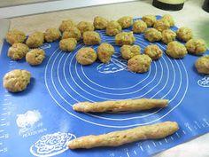 Ζουζουνομαγειρέματα: Κριτσίνια νηστίσιμα με καρότο της Ελένης! Almond, Food, Essen, Almond Joy, Meals, Yemek, Almonds, Eten