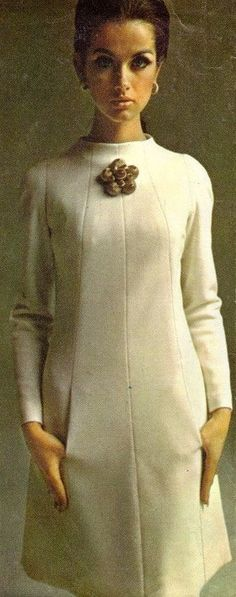 Simplicity 6434 Veronica Hamel for Simplicity Patterns, 1966 (dress with pockets concealed in side front seams): 1960s Fashion, Vogue Fashion, Trendy Fashion, Vintage Fashion, Fashion Tips, Fashion Design, Fashion Hacks, Vintage Beauty, Korean Fashion
