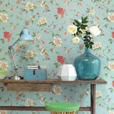 Lavender Dream - Vintage tapet med skønne blomster.  Tapetet er forlimet og skal blot påføres vand på bagsiden.