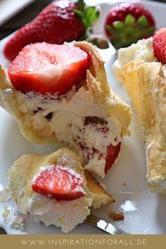 Erdbeer Biskuit Törtchen | einfaches Rezept | schnell zu backen | perfekter Sommer Nachtisch #törtchen #erdbeertörtchen #biskuittörtchen