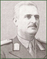 Mareşalul Ion Antonescu: General de divizie Atanasie Trincu Military Uniforms