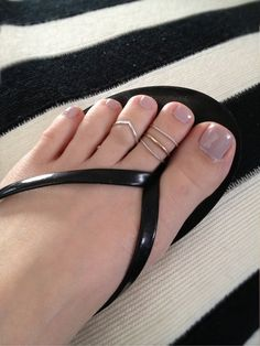 """Chevron toe ring stack..... @asiayamanaka will u make this for me? Visit us on here ==> http://canawan.com and use the code """"OFF15"""" to get discount 15%"""