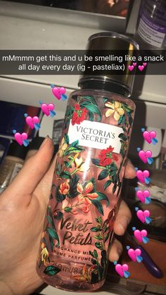 Bath and body Victoria secret perfume snap. Bath and body Book Perfume, Perfume Good Girl, Perfume Hermes, Show Victoria Secret, Victoria Secret Body Spray, Victoria Secrets, Victoria Secret Fragrances, Victoria Secret Perfume, Vanilla Lace