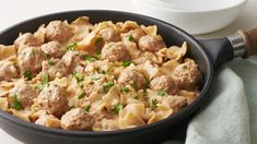 Easy Swedish Meatball Skillet - This skillet version of Swedish Meatballs is simple as can be, but has all the rich flavors of the classic dish, enriched with butter, sautéed onions, Worcestershire sauce and a dash of allspice. Enchiladas, Beef Recipes, Cooking Recipes, Easy Recipes, Meatball Recipes, Skillet Recipes, Delicious Recipes, Fudge