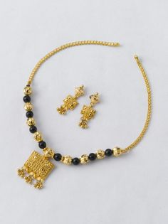 Necklace 8:  Necklace - 9.200 gm Rs. 33000/- Earring - 3.100 gm Rs. 11100/- Gold Chain Design, Gold Bangles Design, Gold Jewellery Design, Gold Jewelry, Beaded Jewelry, Gold Mangalsutra Designs, Gold Set, Simple Jewelry, Jewelry Patterns