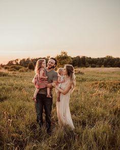 laurenbogertphotography Couple Photos, Couples, Outfits, Couple Shots, Suits, Couple Photography, Couple, Kleding, Couple Pictures