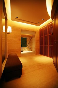 勤美璞真-關傳雍-玄關 House With Porch, Porch Decorating, Bathtub, Interior Design, Chinese, Design Ideas, Balcony Decoration, Standing Bath, Nest Design