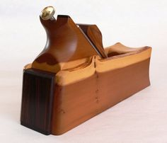 Brilliant idea for how to combine the benefits of Krenov and Modern hand planes.
