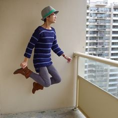 Pattern for a sweater that I talked about a while ago. Have been working on it slowly since the end of summer. And of course I have to celebrate its completion with a levitating photo :D It …