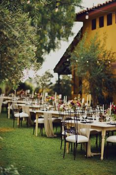 Outdoor vineyard wedding: http://www.stylemepretty.com/destination-weddings/2017/01/10/proof-that-you-can-have-a-vineyard-wedding-in-hawaii/ Photography: Tamiz - http://www.tamizphotography.com/