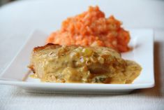 Varkenskotelet met picklessaus en wortelpuree