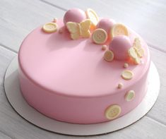 """1,956 Likes, 17 Comments - Дарья (@barleria_cakes) on Instagram: """"Нежнее нежного  торты для маленьких девочек они такие) внутри малина и ваниль """""""