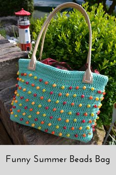 Funny Summer Beads Bag by Atelier Marie-Lucienne with how-to in English as well as in German (https://marie-lucienne.blogspot.com/2018/05/summer-beads-bag.html)
