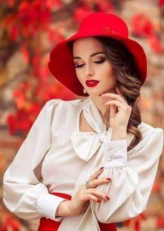 Beautiful woman♥️♥️ by Еvica Randjelovic Photography Poses Women, Portrait Photography, Fashion Photography, Modeling Fotografie, Mode Glamour, Beautiful Girl Image, Beautiful Women, Girl Poses, Girls Image