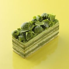 抹茶のオペラ ほんのりオレンジ風味 Matcha Dessert, Matcha Cake, Layered Desserts, Fancy Desserts, Green Tea Ice Cream, Crazy Cookies, Matcha Smoothie, Green Tea Recipes, Gourmet Cakes