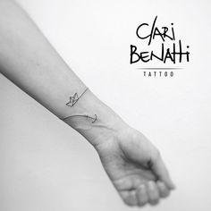 Cute bracelet tattoo - Tattoos & Piercings - Tattoo Designs For Women Armband Tattoos, Wrist Tattoos, Mini Tattoos, Finger Tattoos, Love Tattoos, Body Art Tattoos, Tattoo Photo, Inkbox Tattoo, Tattoo Paper