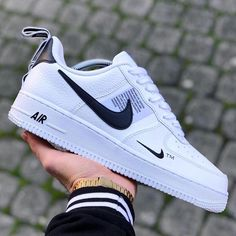 Nike Women's and Men's Fashion Styles Shoes Sneakers. Nike Outift Casual Shoes Sneakers .Nike shoes sneakers street styles. Nike air force 2020 Spring Summer Trends. Nike Shoes Air Force, Nike Air Force Ones, Nike Air Max, Sneakers Street Style, Sneakers Fashion, Fashion Shoes, Nike Fashion, Fashion Women, Fashion Outfits