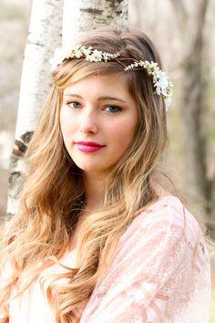 bridal hair acessories, wedding headpiece, woodland flower, bridal hair flower, rustic wedding. $38.00, via Etsy.