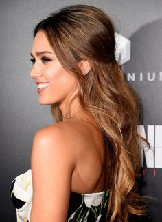 Jessica Alba Photos Photos - Actress Jessica Alba arrives at the Premiere of…