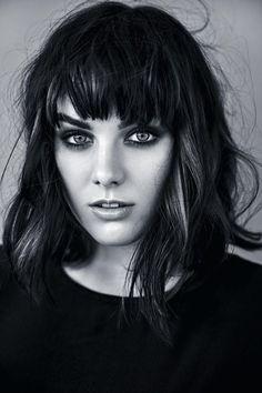 Ewa Farna se ukázala v celé své kráse: V posteli odhalila své sexy křivky Polish People, Celebs, Celebrities, Star Fashion, Ale, Portrait Photography, Cool Hairstyles, Singer, Photoshoot