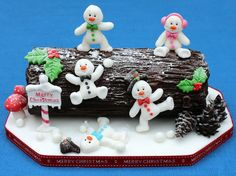 Rocky Road Yule Log Project by Sarah Harris - - Make this whimsical Rocky Road Yule Log for a festive treat this Christmas! Created by design team member Sarah Harris from The Cupcake Range. We hope you love it just as much as we do! Christmas Log Cake, Christmas Cake Designs, Christmas Cake Topper, Christmas Treats, Christmas Snowman, Father Christmas, Christmas Wedding, Chocolate Yule Log Recipe, Chocolate Log