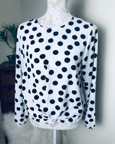 """Nimanee:The Remix Stylist on Instagram: """"Polka Dot Bow Blouse Size: M Price:$18  Shipping $8 To order: 1: Please reply """"WANT"""" Step 2: DM to purchase (have 30 mins to make payment)…"""" Bow Blouse, Polka Dot Top, 18th, Stylists, Bows, How To Make, Outfits, Instagram, Women"""