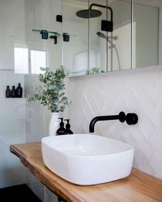 White tiles with white grout – Weiße Fliesen mit weißem Fugenmörtel – Bad Inspiration, Bathroom Inspiration, Bathroom Inspo, Bathroom Ideas, Roca Bathroom, Bathroom Carpet, Vessel Sink Bathroom, Bathroom Goals, Washroom