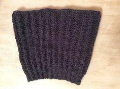 Snood tour de cou Enfant 3   4 ans gris anthracite en laine tricoté main    Mode garçons par la-p-tite-mimine d4206bcd523