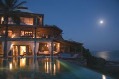 Full moon evening views from Cliff Villa #alfajirivillas #dianibeach #luxury #whyilovekenya