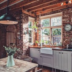 Old Country Houses, English Country Cottages, English Cottage Style, Cottage Style Homes, English Country Decor, Country Homes, Country House Interior, Country Cottage Decorating, Country Cottage Living