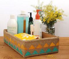 Hogy a kartondobozok ne a kukában végezzék, készíts belőlük dekoratív tárolókat