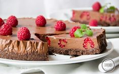 Ciasto z musem czekoladowym - przepis - Tapenda.pl Pudding, Cake, Food, Projects, Custard Pudding, Kuchen, Essen, Puddings, Meals