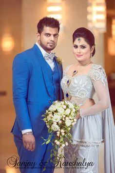 Bridal Sari, Pakistani Bridal Dresses, White Saree Wedding, Sri Lankan Bride, Srilankan Wedding, Wedding Mandap, Wedding Sarees, Wedding Saree Collection, Bridal Outfits