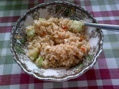 Mediterranean quinoa salad mm! Mediterranean Quinoa Salad, Healthy Treats, Grains, Rice, Food, Meal, Healthy Sweet Treats, Eten, Meals