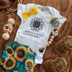 Sunflower Baby Girl Onesie Baby Shower Gift Pregnancy Announcement Baby Clothes This sunflower shirt is perfect for baby girl outfits, baby shower gifts, pregnancy announcements, and more. We also have a mama shirt to match! Baby Outfits, Kids Outfits, Newborn Girl Outfits, Baby Swag, My Baby Girl, Baby Boys, Baby Girl Onesie, Baby Girl Shirts, Baby Girl Stuff