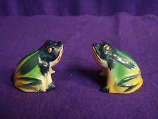 Vintage Green Resting Striped Frog Toad Salt and Pepper Shakers Ceramic Japan