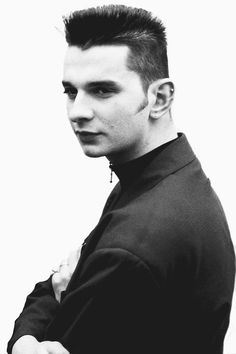 FINALLY! I found my favorite Dave Gahan look!